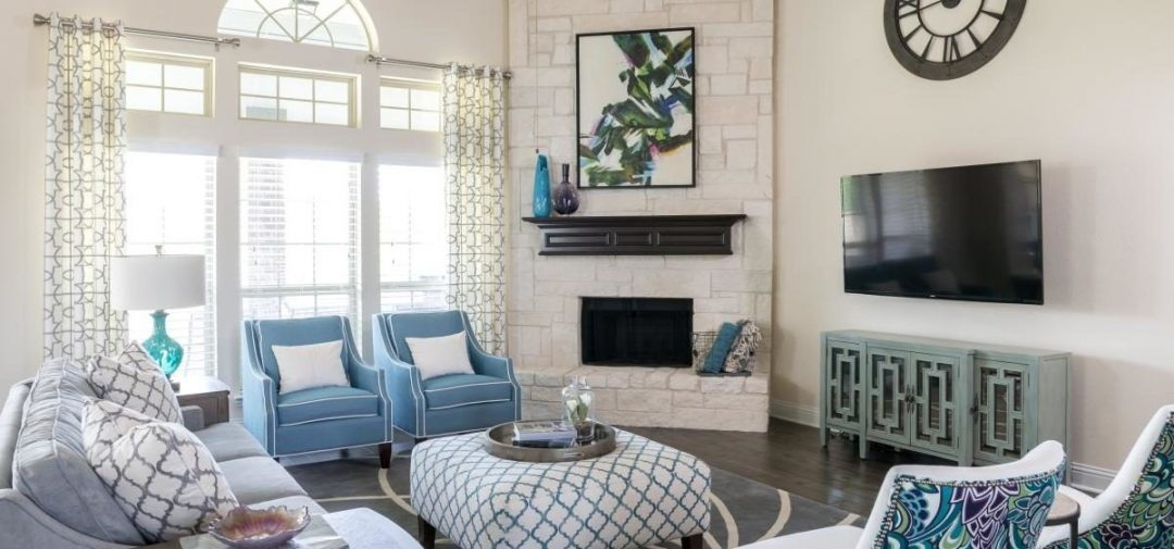 Transitional Family Room – Sachse, TX