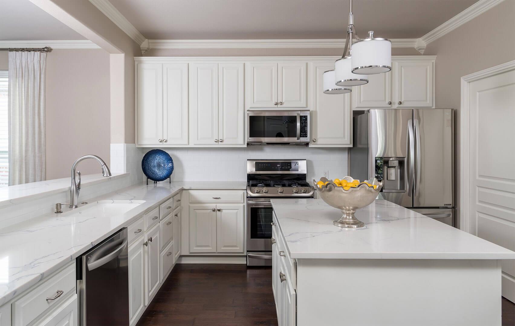 Zeller - Kitchen 5 - Dallas Interior Designer serving Plano, Frisco, Dallas, Allen for Decorating Den Interiors D'KOR HOME by Dee Frazier Interiors